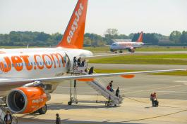 easyJet in Bordeaux Airport