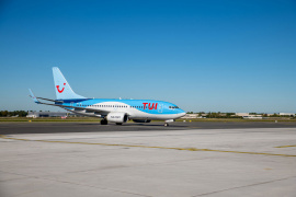 TUI fly plane
