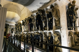 Lose yourself in the catacombs' maze