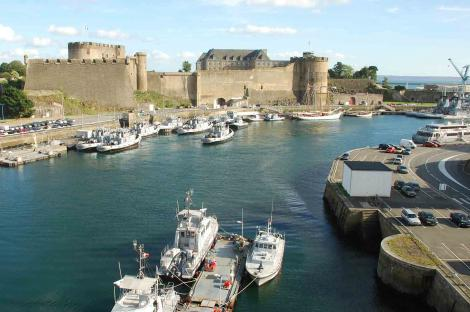 Discovering the two sides of Brest