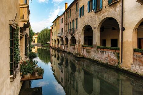 Wandering along Treviso's canals